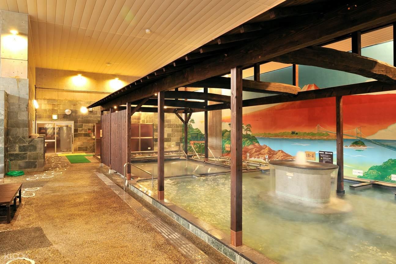 pool at Iyonotojiba Kisuke No Yu Onsen