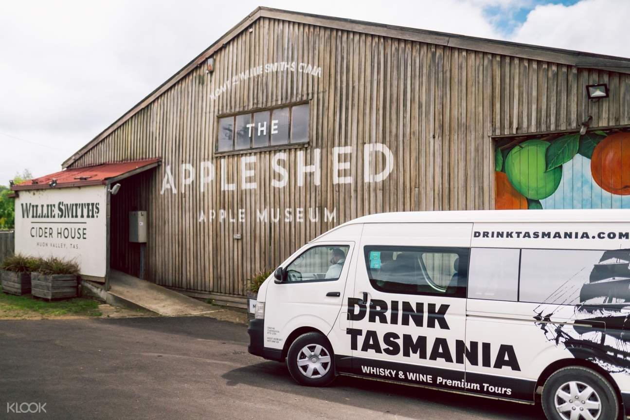 exterior of apple shed museum and drink tasmania bus