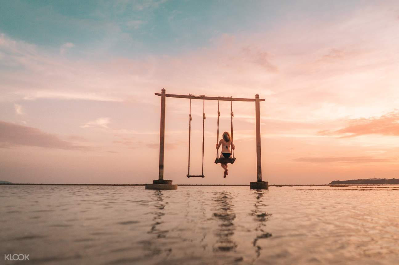 Have a chance to play in swing above the water!