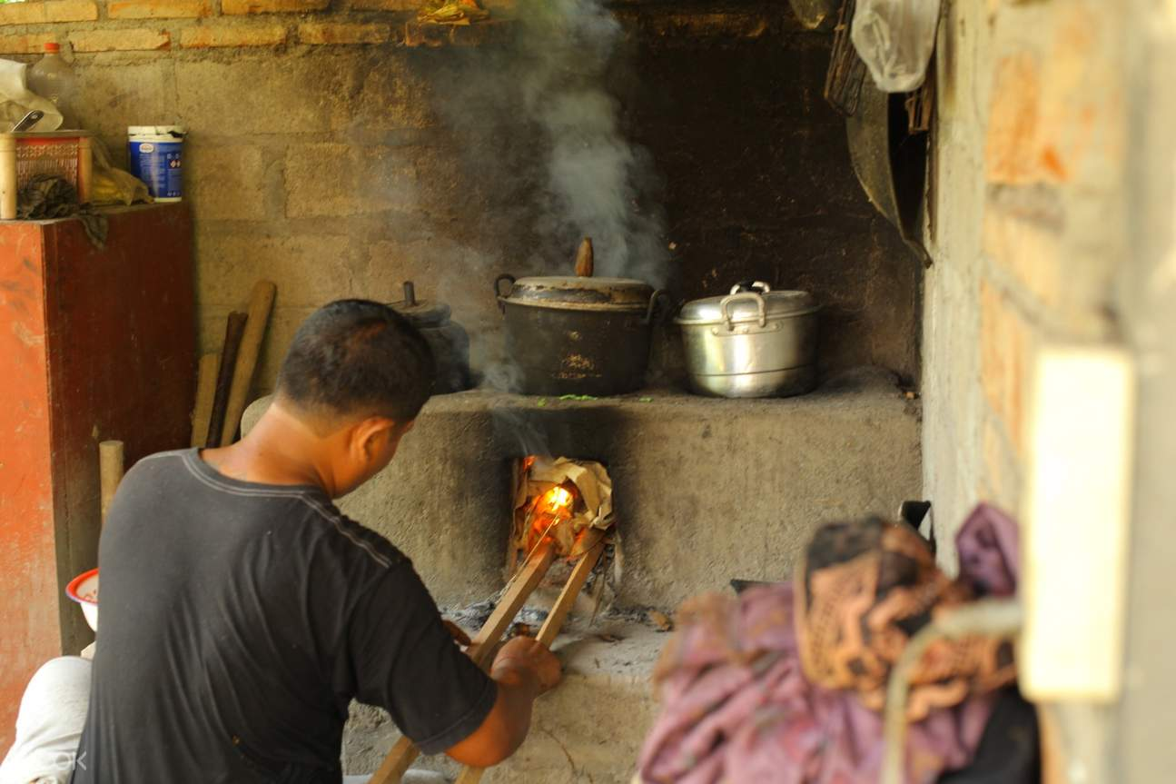 traditional cooking in lombok