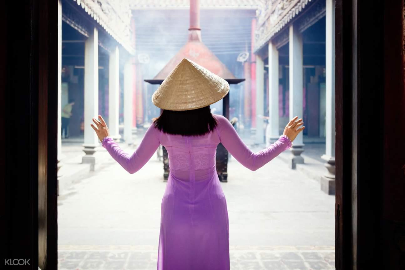 solo photoshoot in Saigon