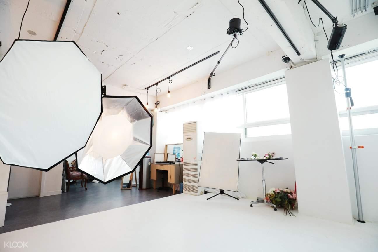 studio for indoor photos