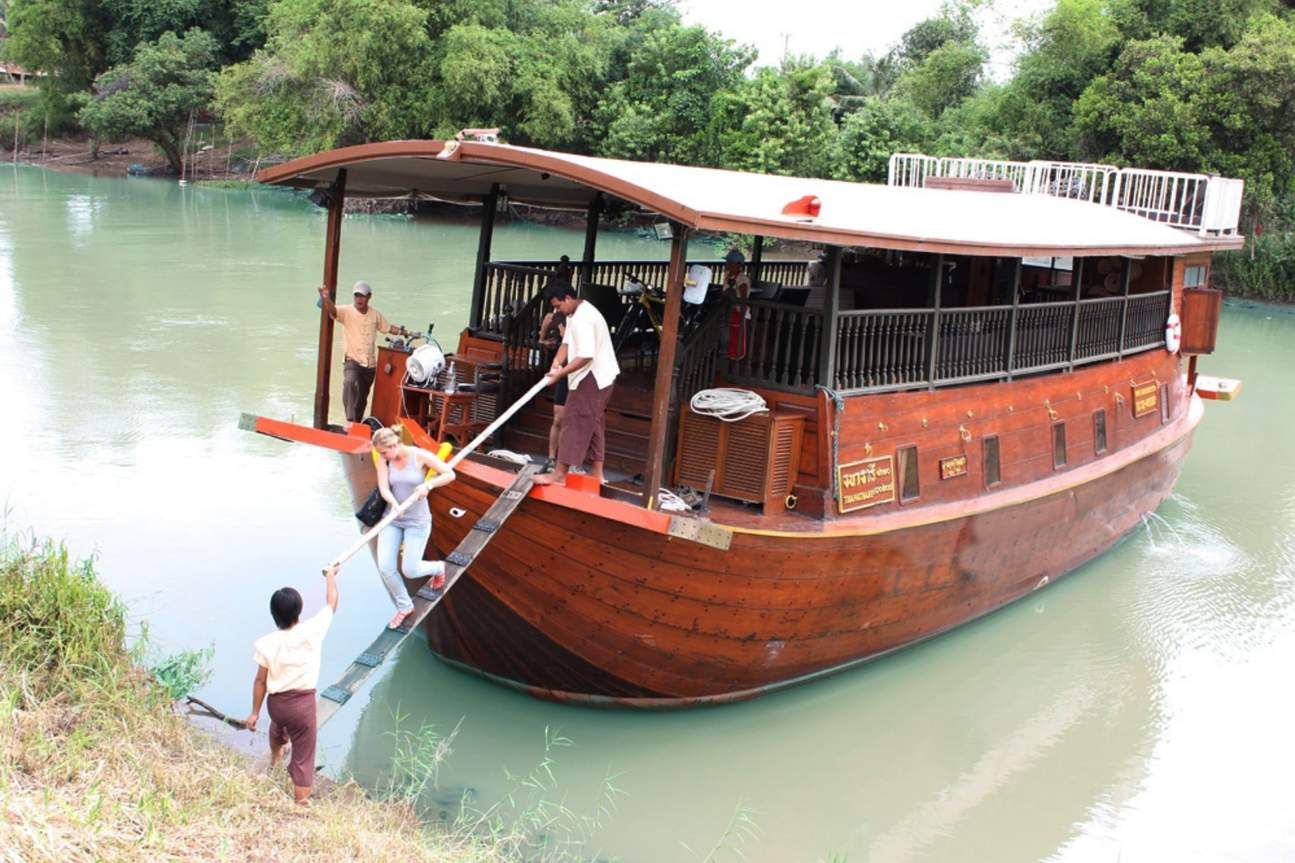 Getting off the Thanatharee cruise to visit the nearby rural areas