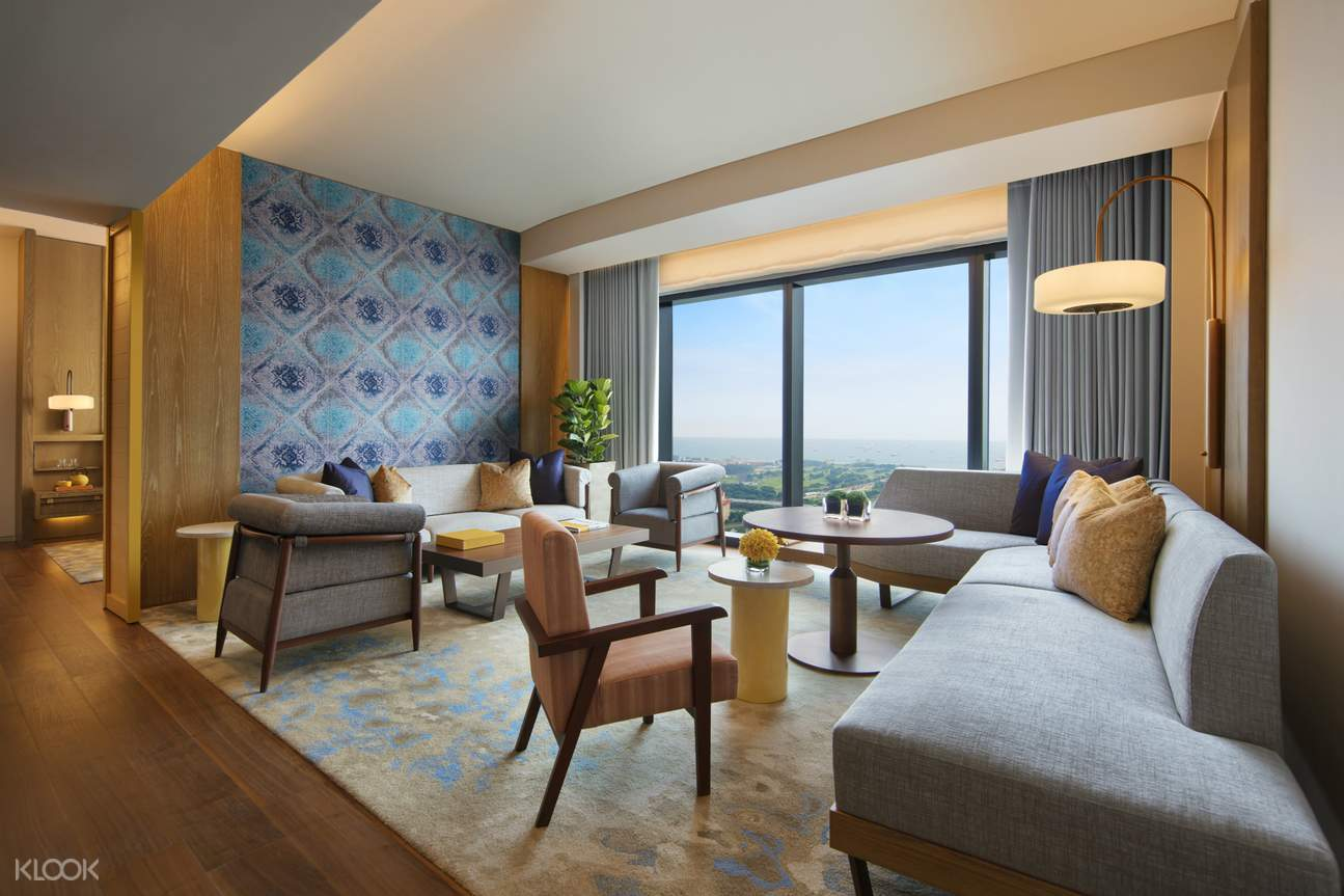 Andaz Singapore Large King Suite - Living Area