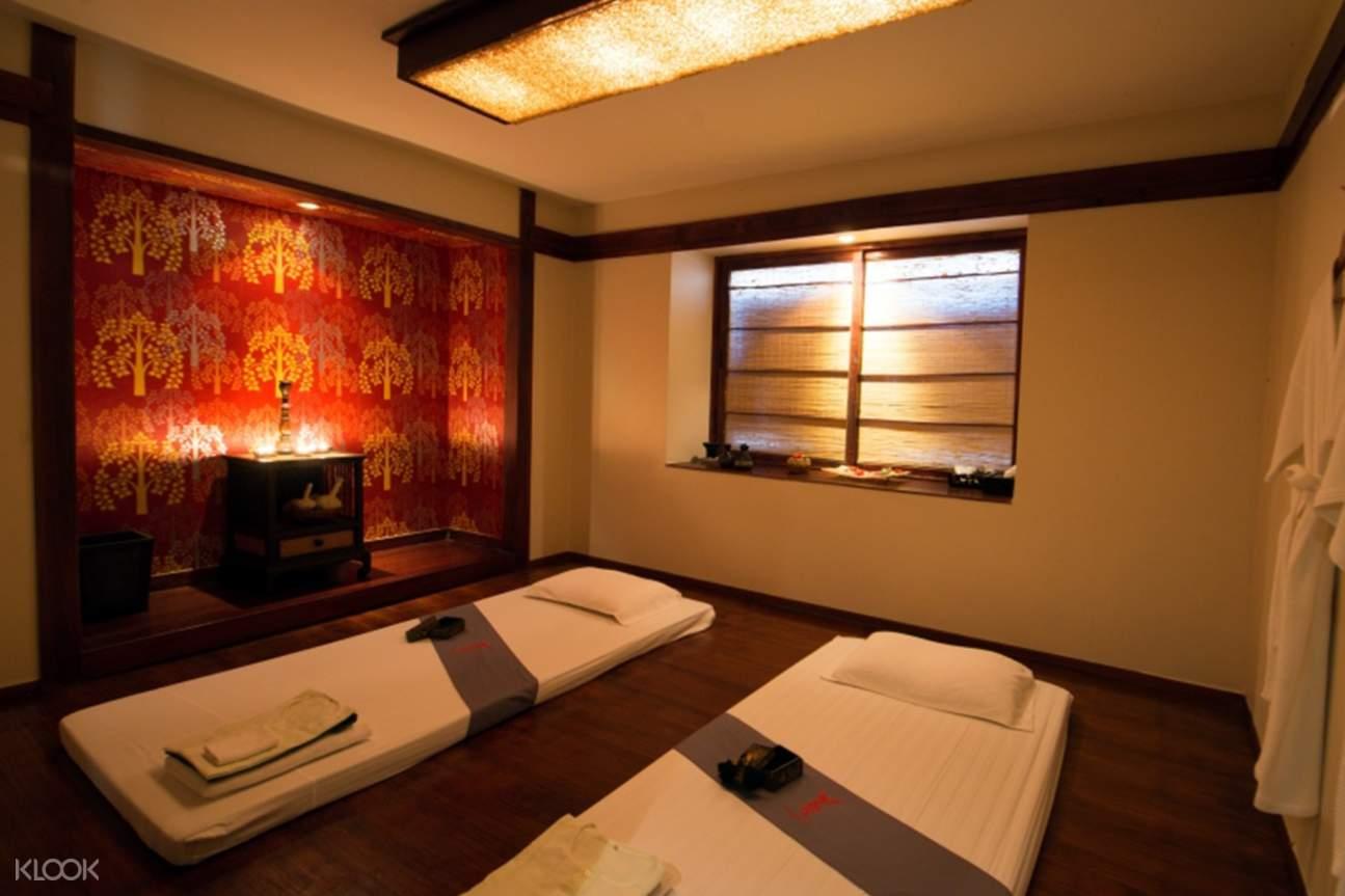inside the peak spa and beauty salon