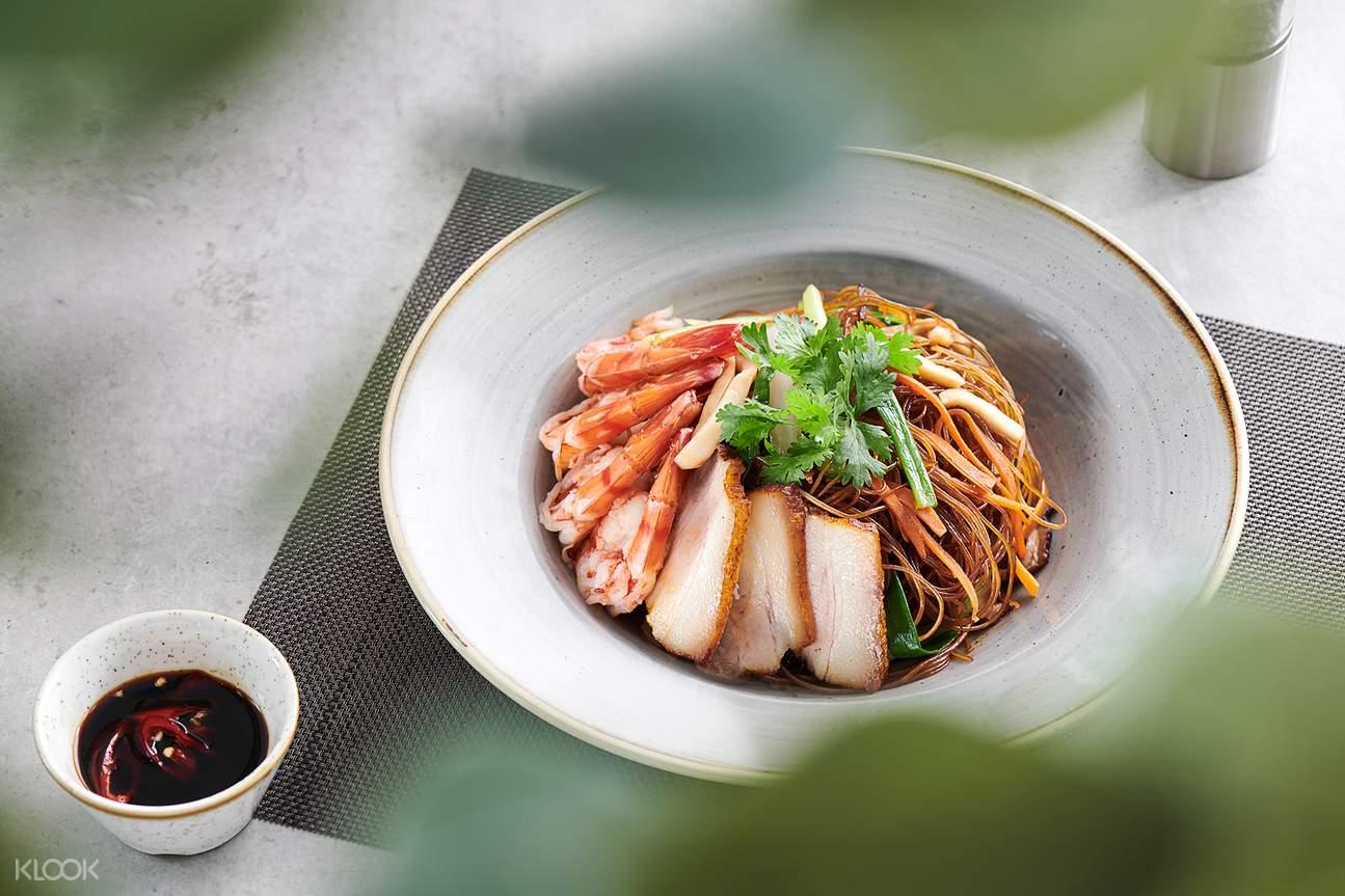 Enjoy 3-course set lunch at La Plage restaurant