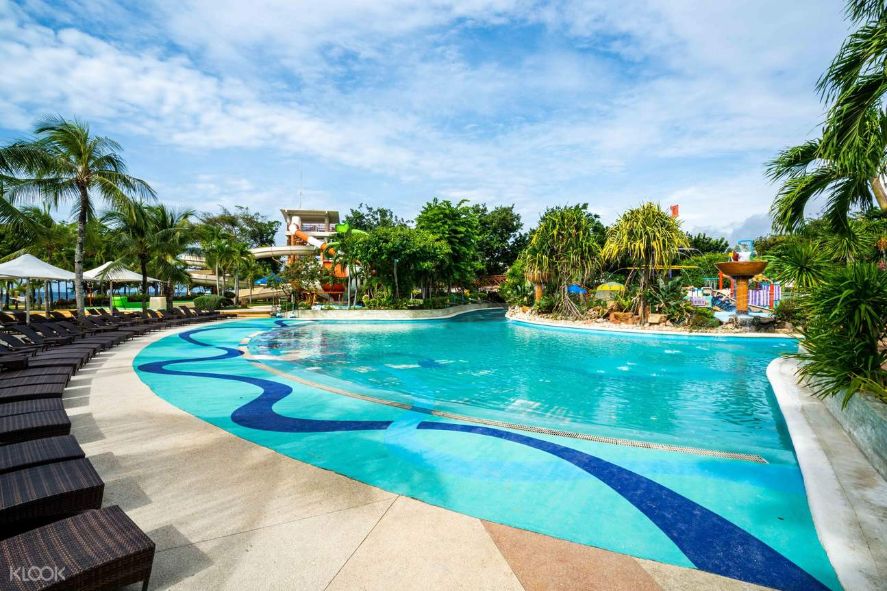 a pool in Jpark Island Resort and Waterpark