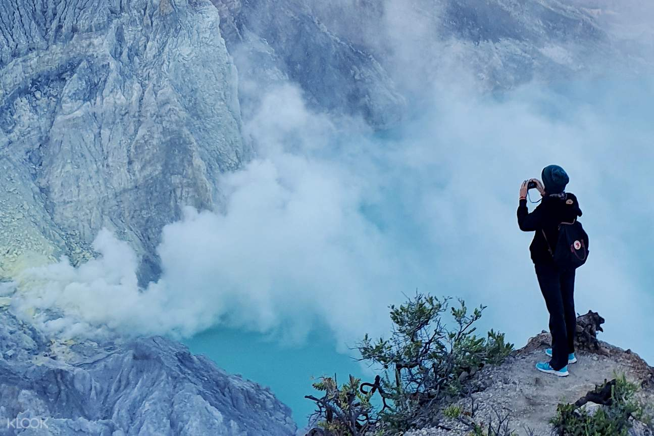 the blue lava of the Ijen Crater