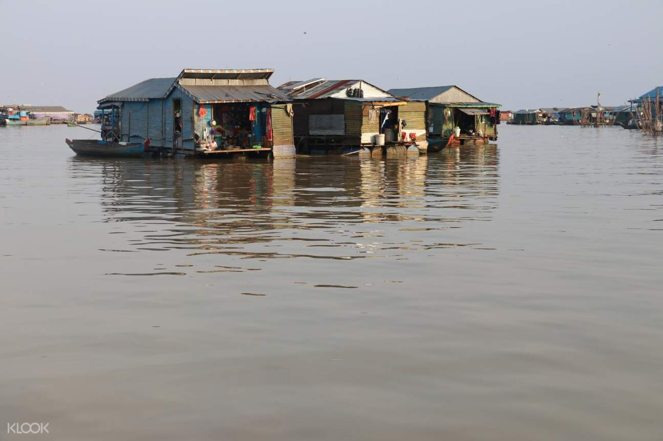 floating homes in siem reap