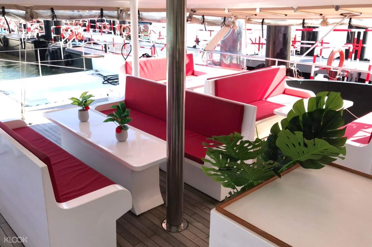 The spacious and cozy environment on the catamaran provide you the perfect journey