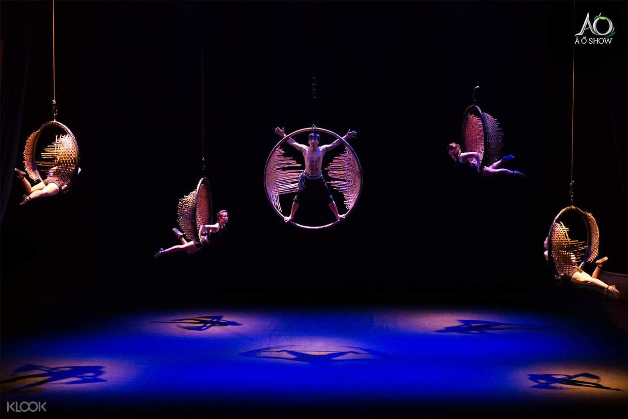 a o show acrobatics