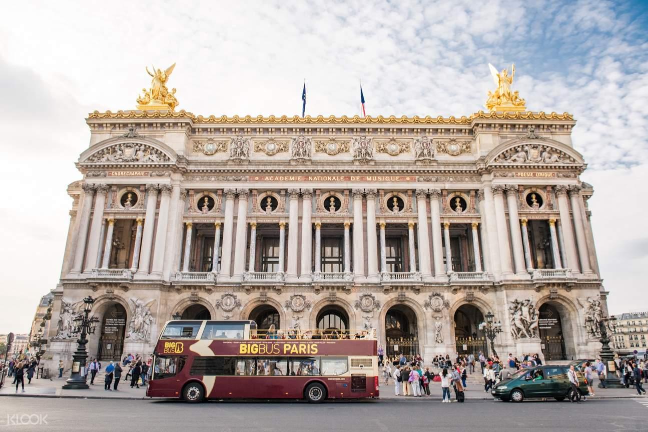 巴黎双层观光大巴士