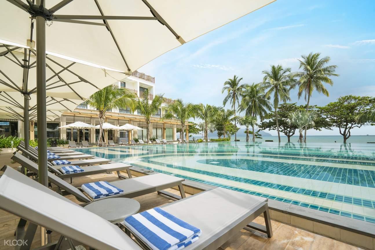 hồ bơi ở khách sạn The Secret Côn Đảo