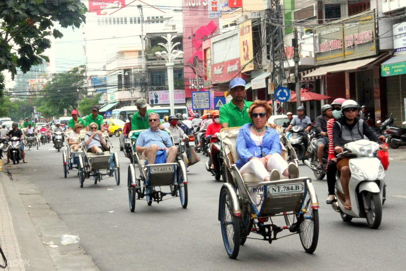 cyclo ride in vietnam