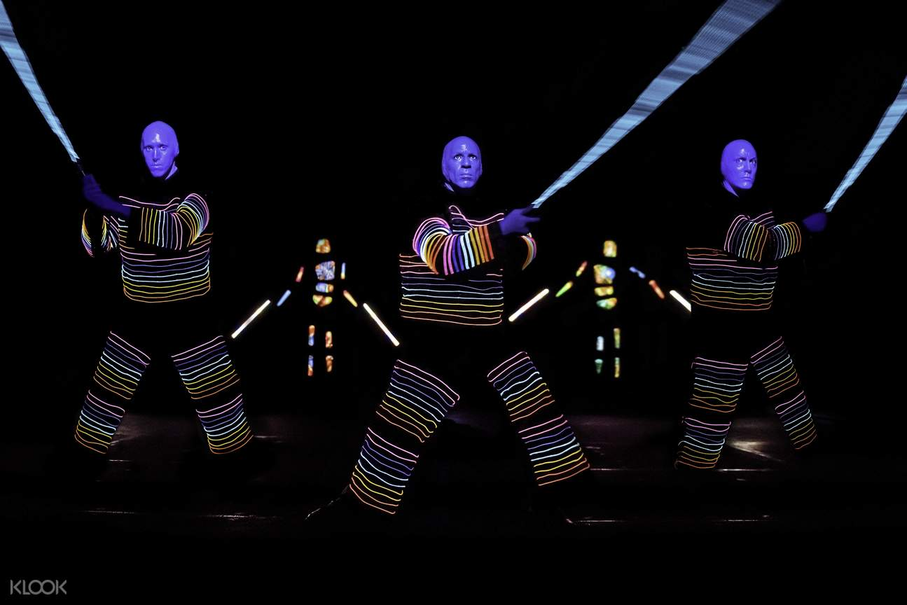 藍人樂團燈光秀