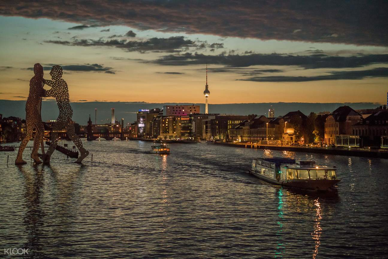 Berlin cruise with sunset