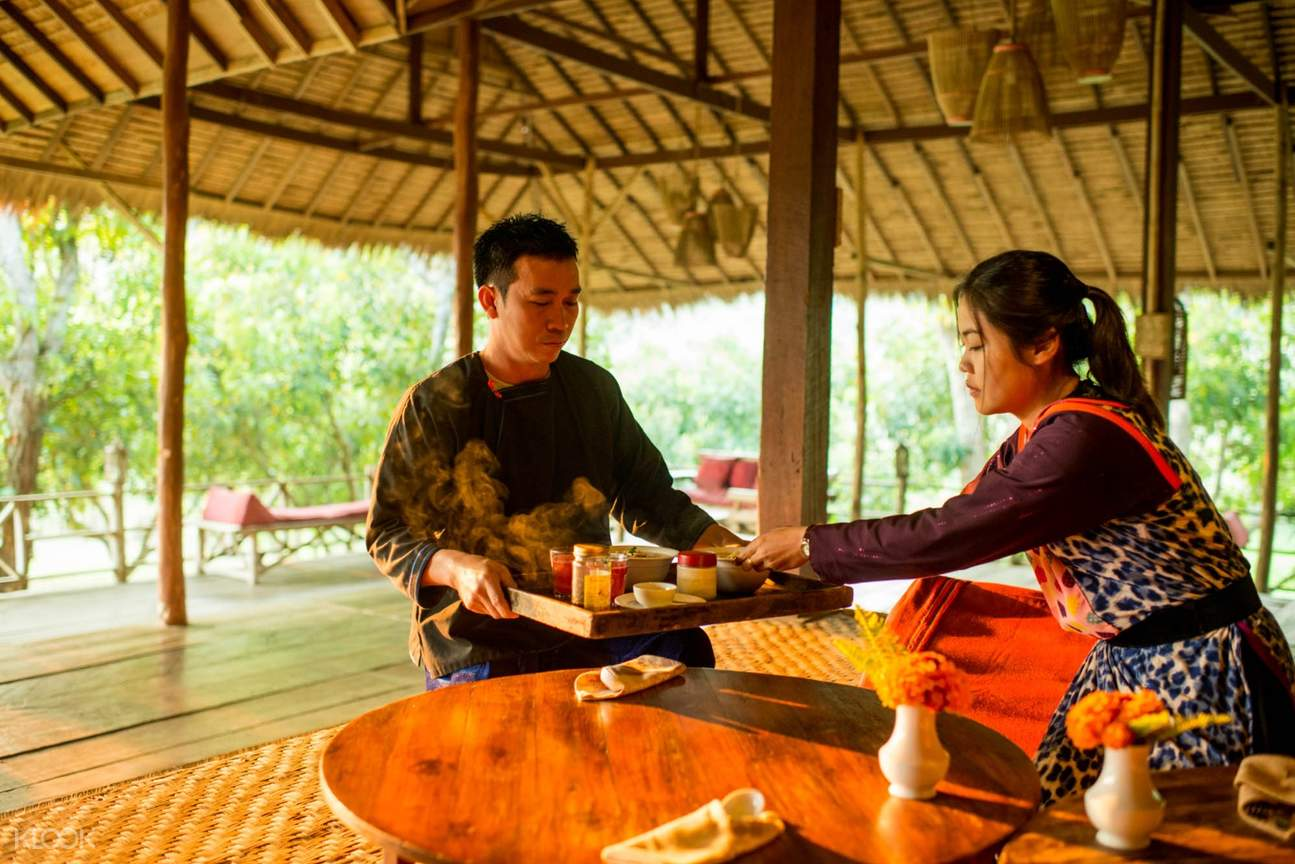 friendly local staff at lisu lodge