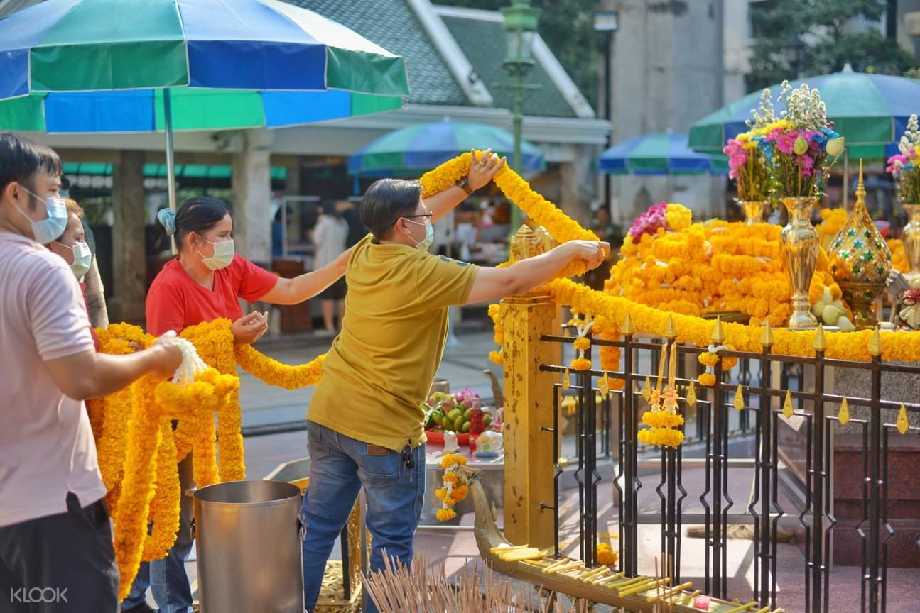 Erawan Shrine wreath 1