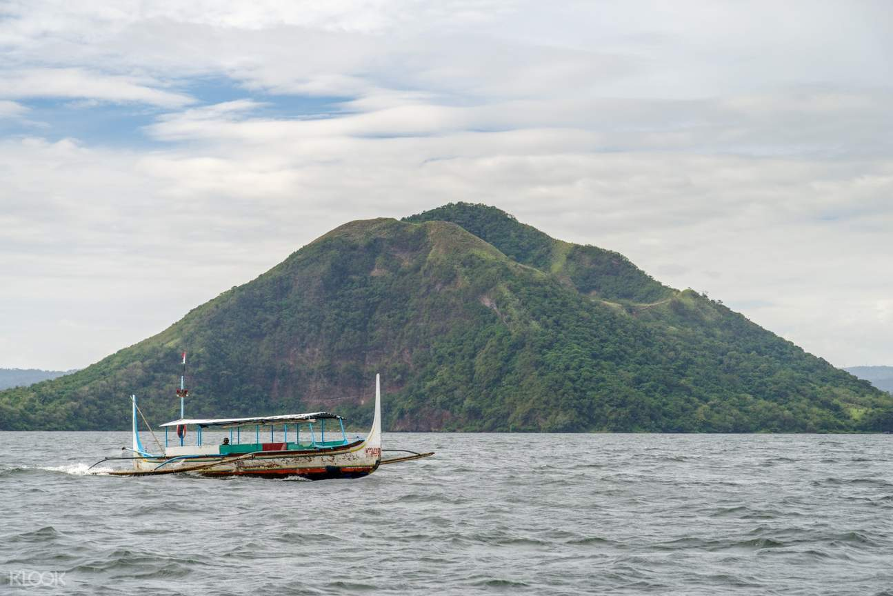 Taal Lake Tagaytay Private Day Tour from Manila