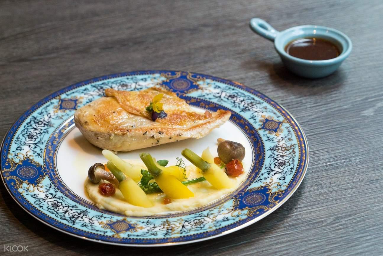 尖沙咀魔衣櫥咖啡廳 慢煮法國黃雞