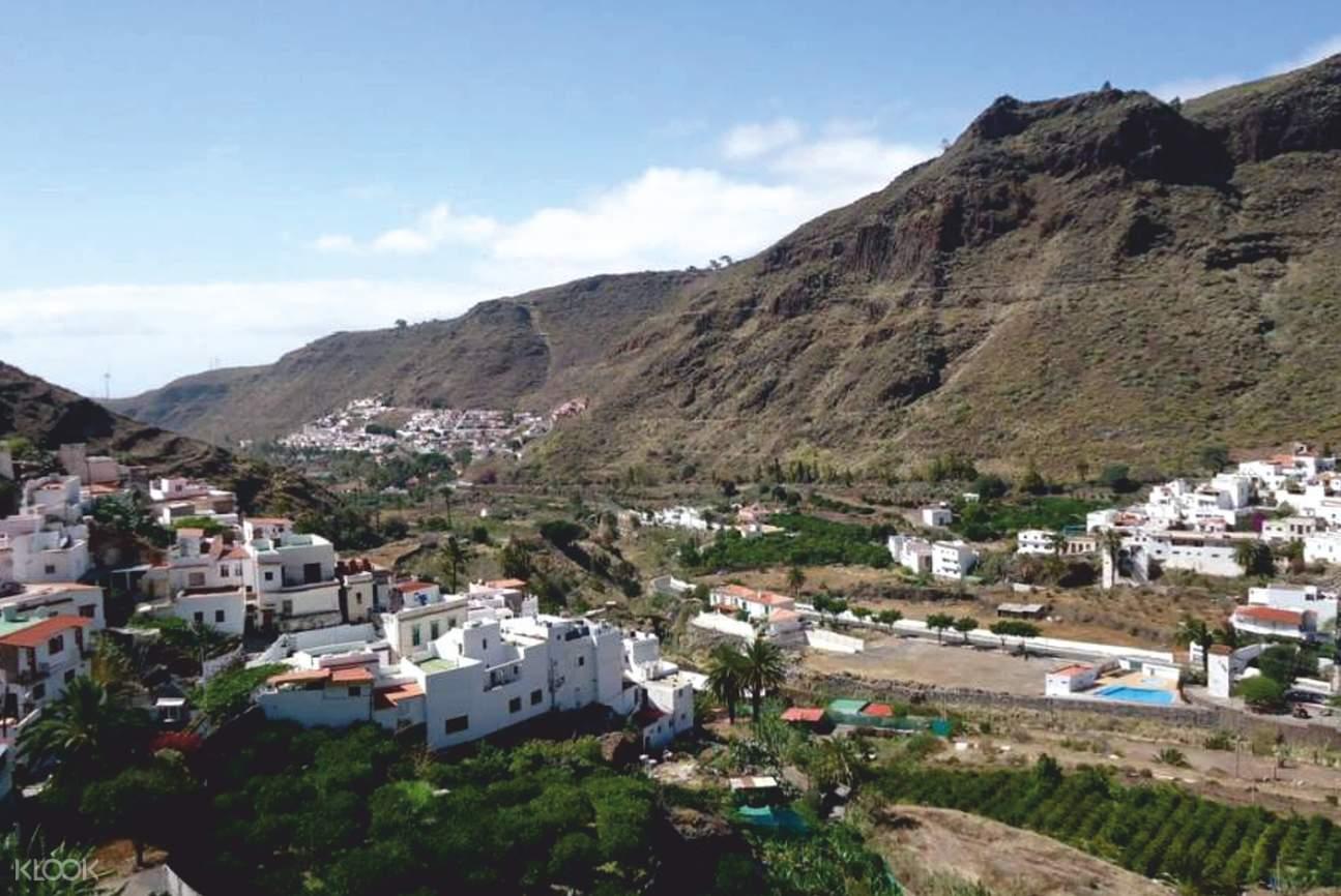 town near mountain in gran canaria