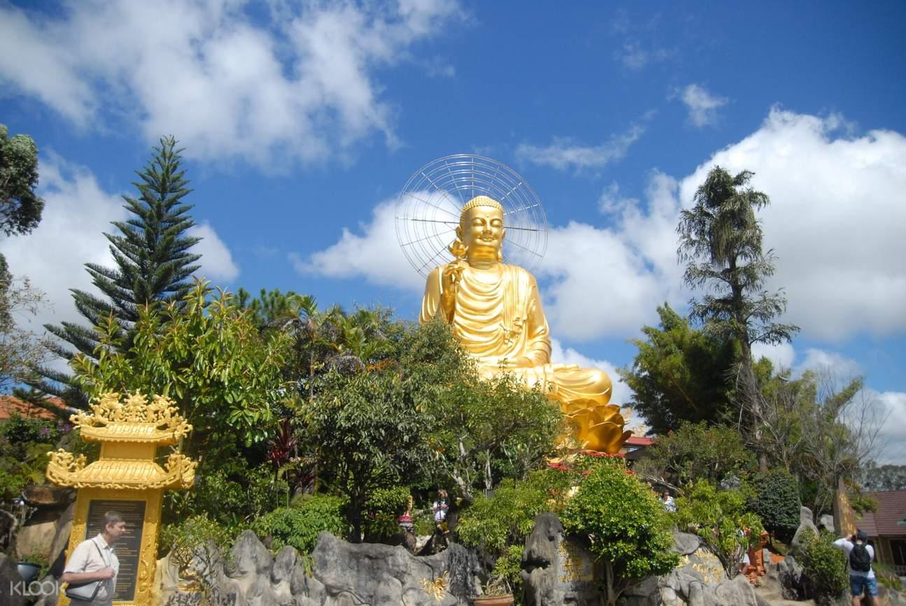 大叻金佛像(Van Hanh Pagoda)