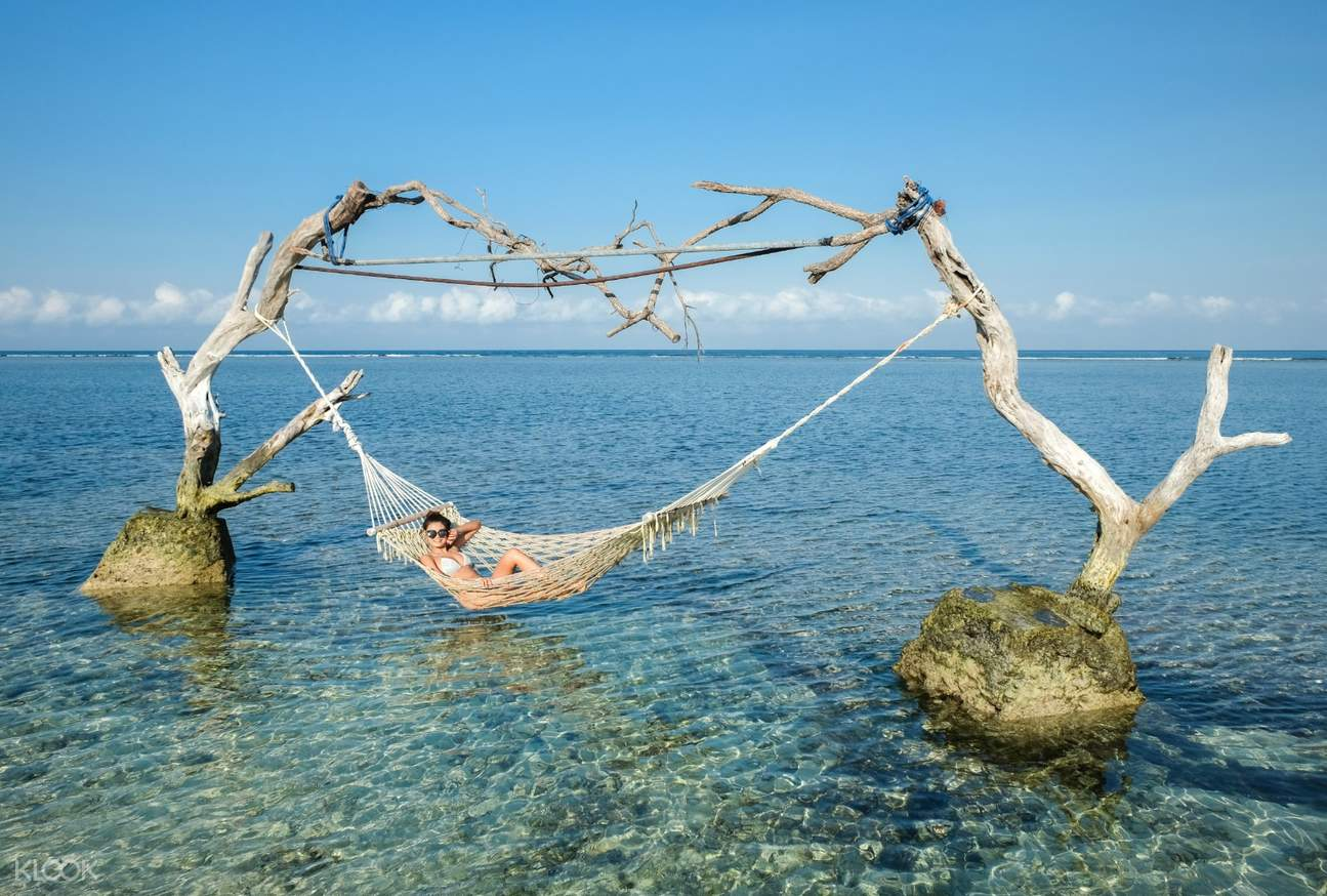 Relax and chill through the beauty of Gili Islands!