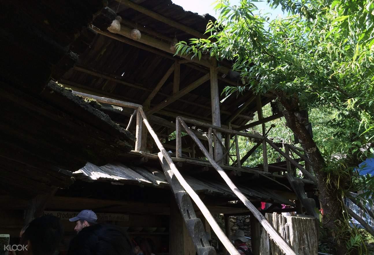 猫猫村传统房屋