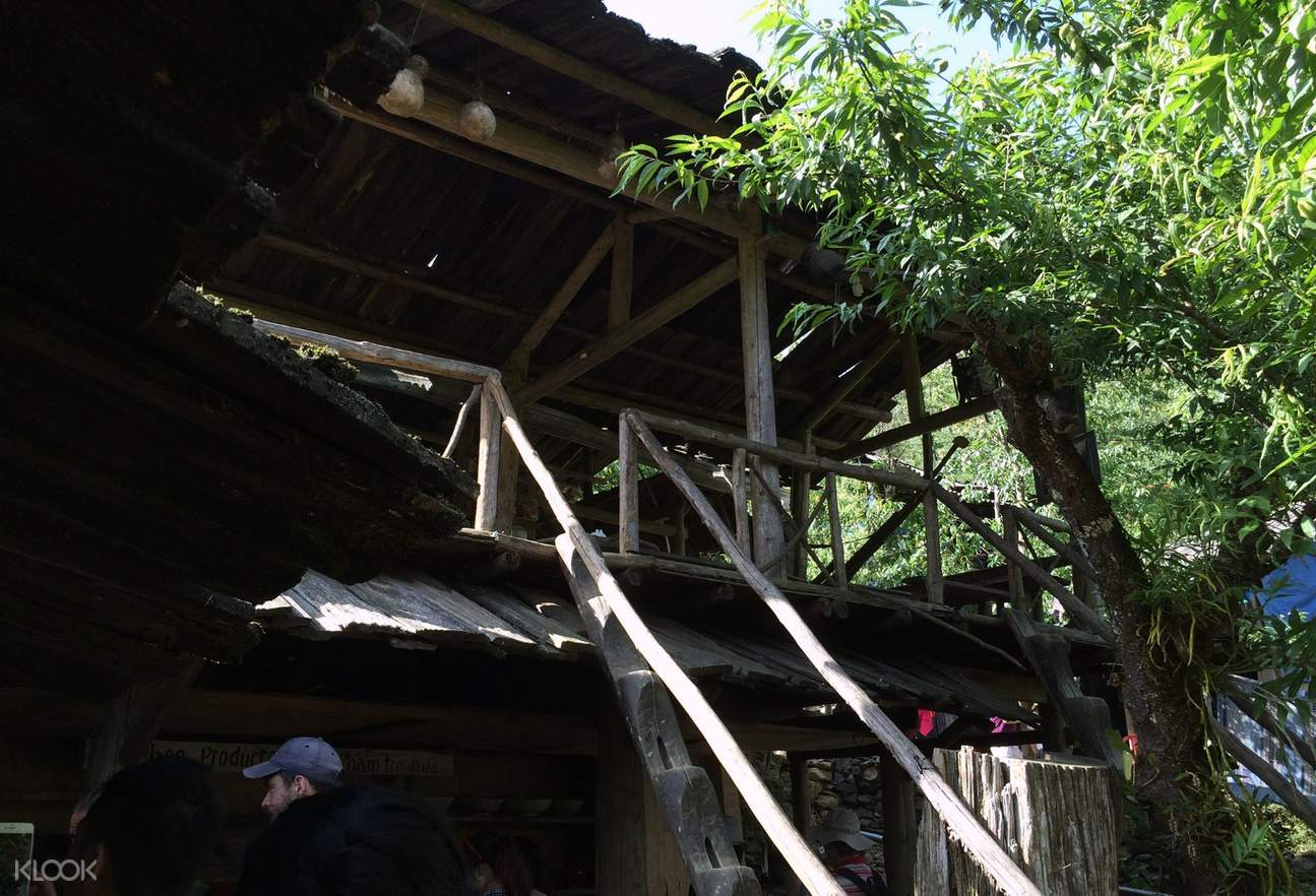 CAT CAT TRADITIONAL HOUSE