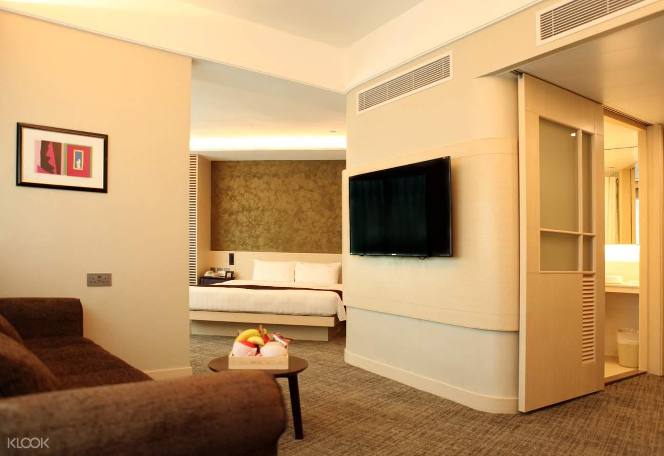 Pacific Premier Double Room