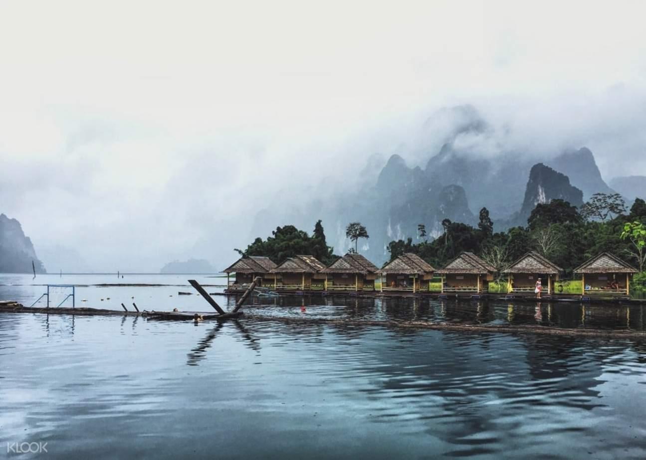 floating raft bungalow