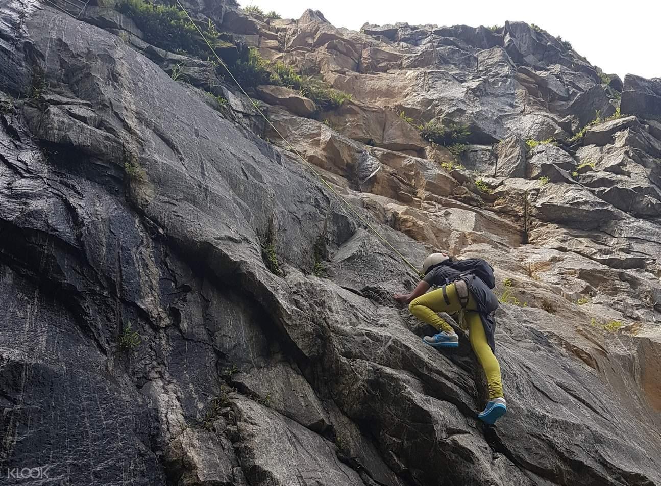 庫格岩石攀爬探險