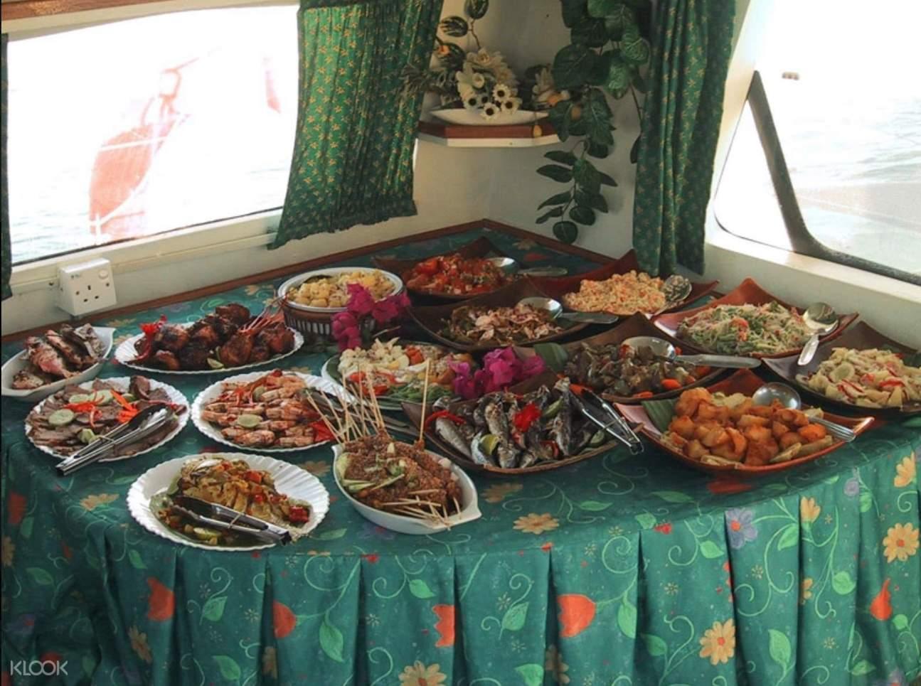 马来西亚 兰卡威 安达曼海豪华游艇晚餐