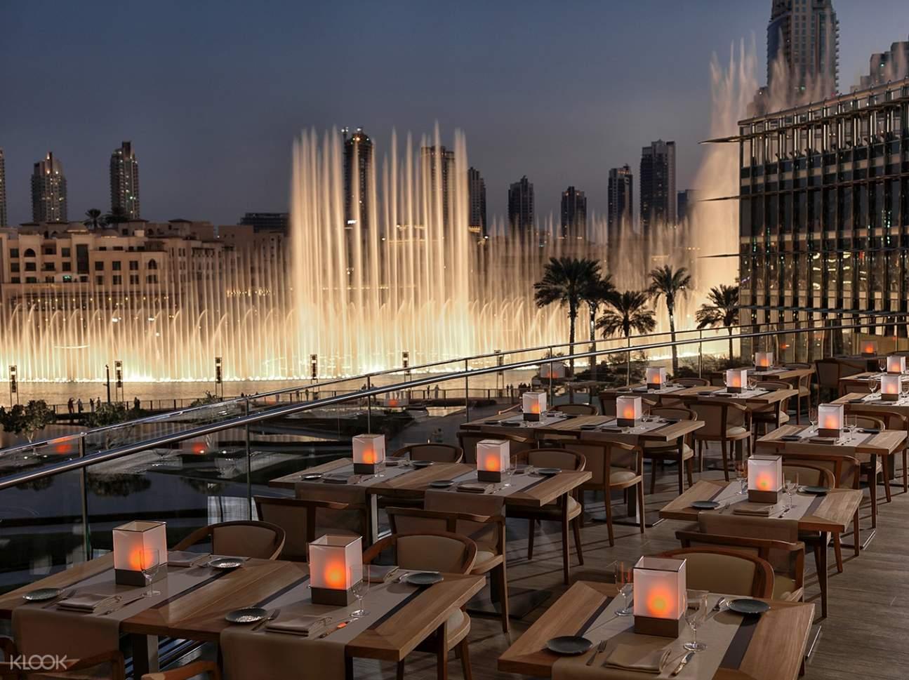 Afbeeldingsresultaat voor armani hotel buffet fountains dubai