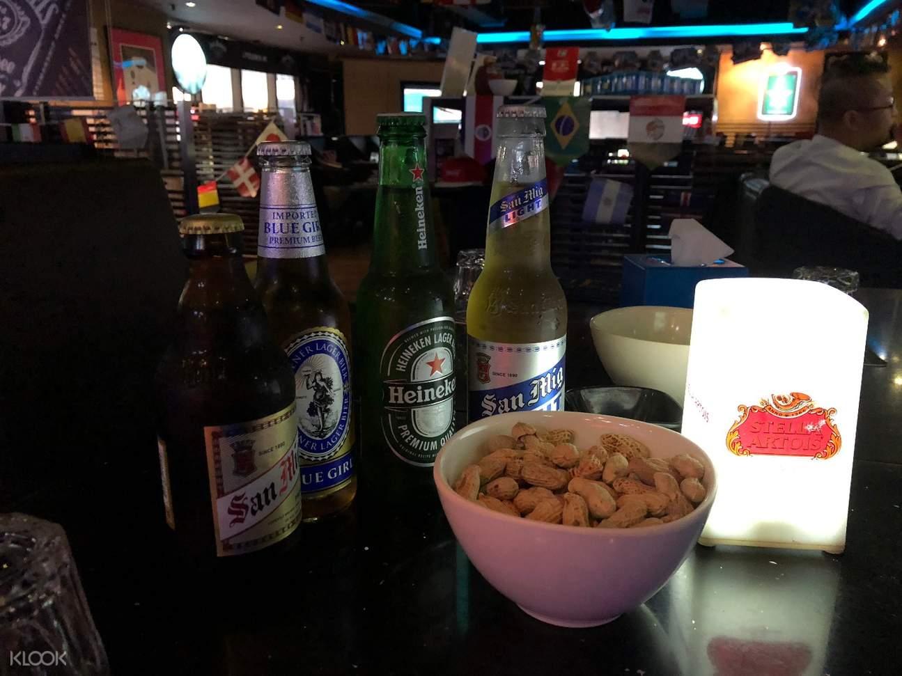 湾仔Uptown 90 Bar & Grill4瓶啤酒加小吃套餐