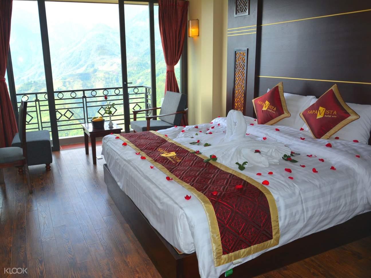 sapa trekking homestay or hotel