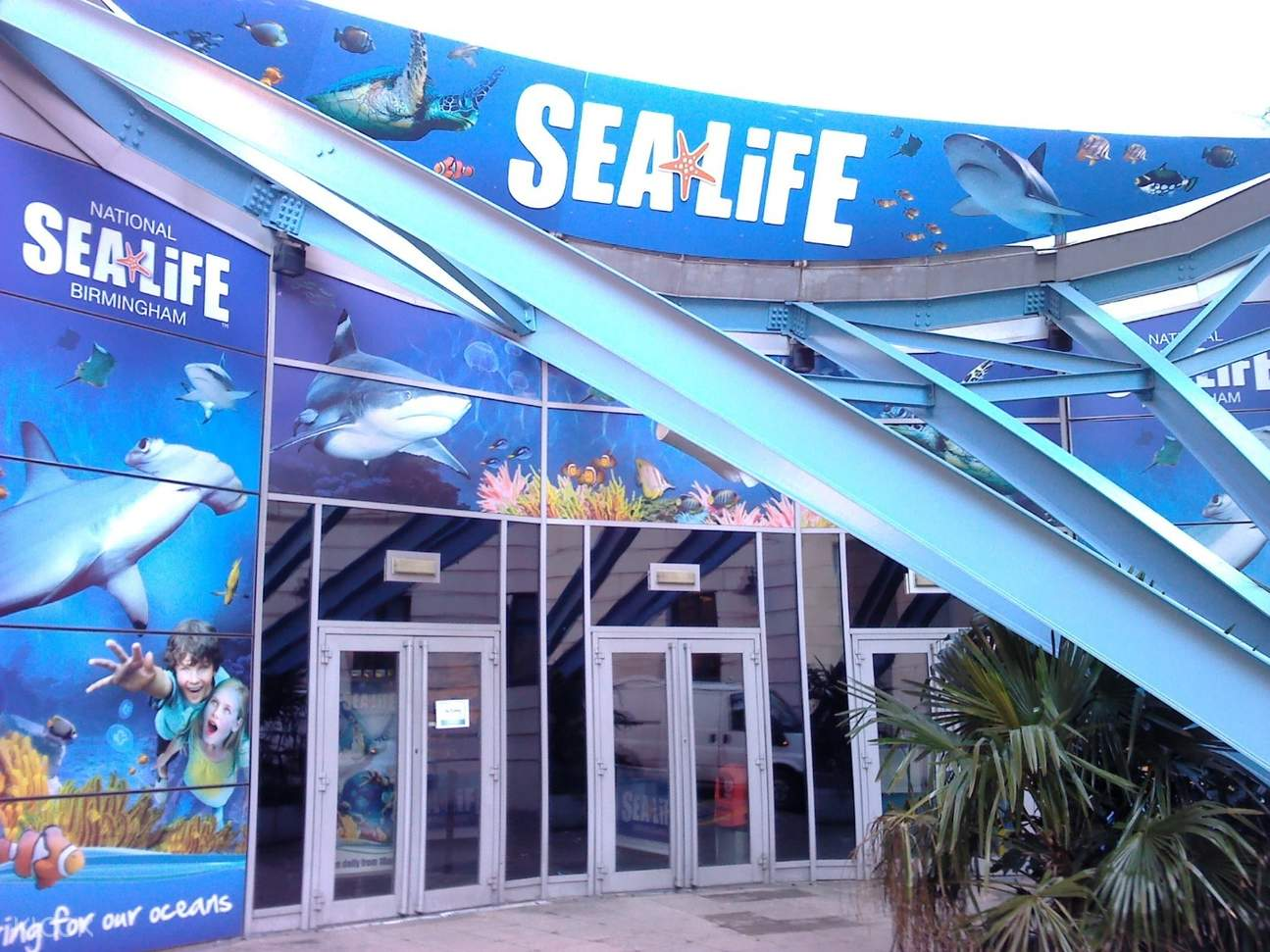 entrance of national sea life center