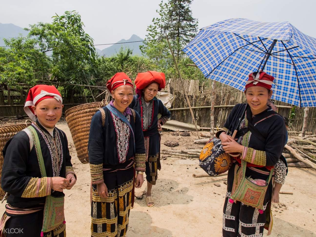 Ma Tra and Ta Phin Village locals