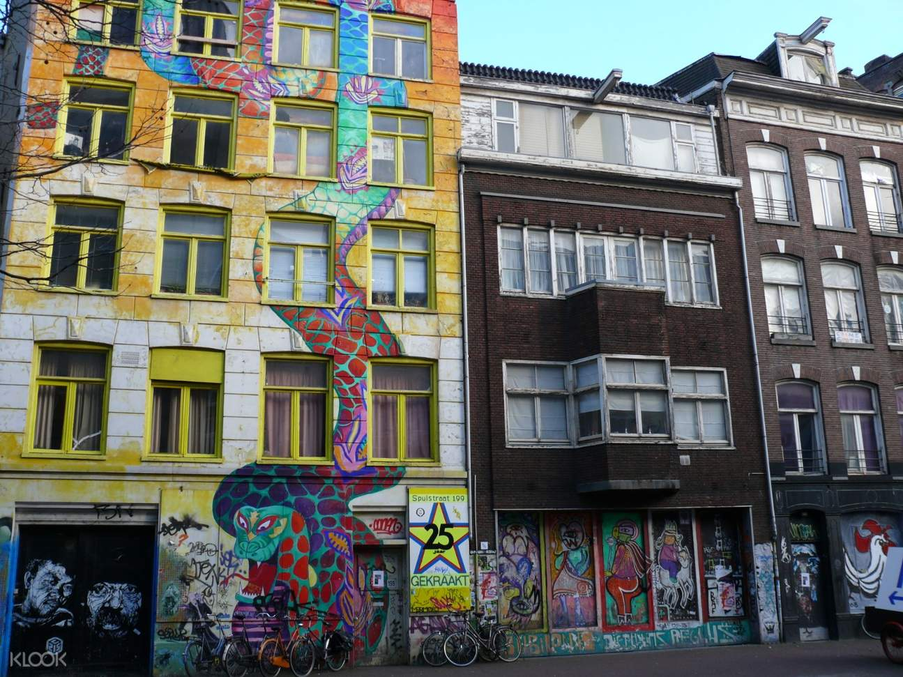 buildings with graffiti in amsterdam