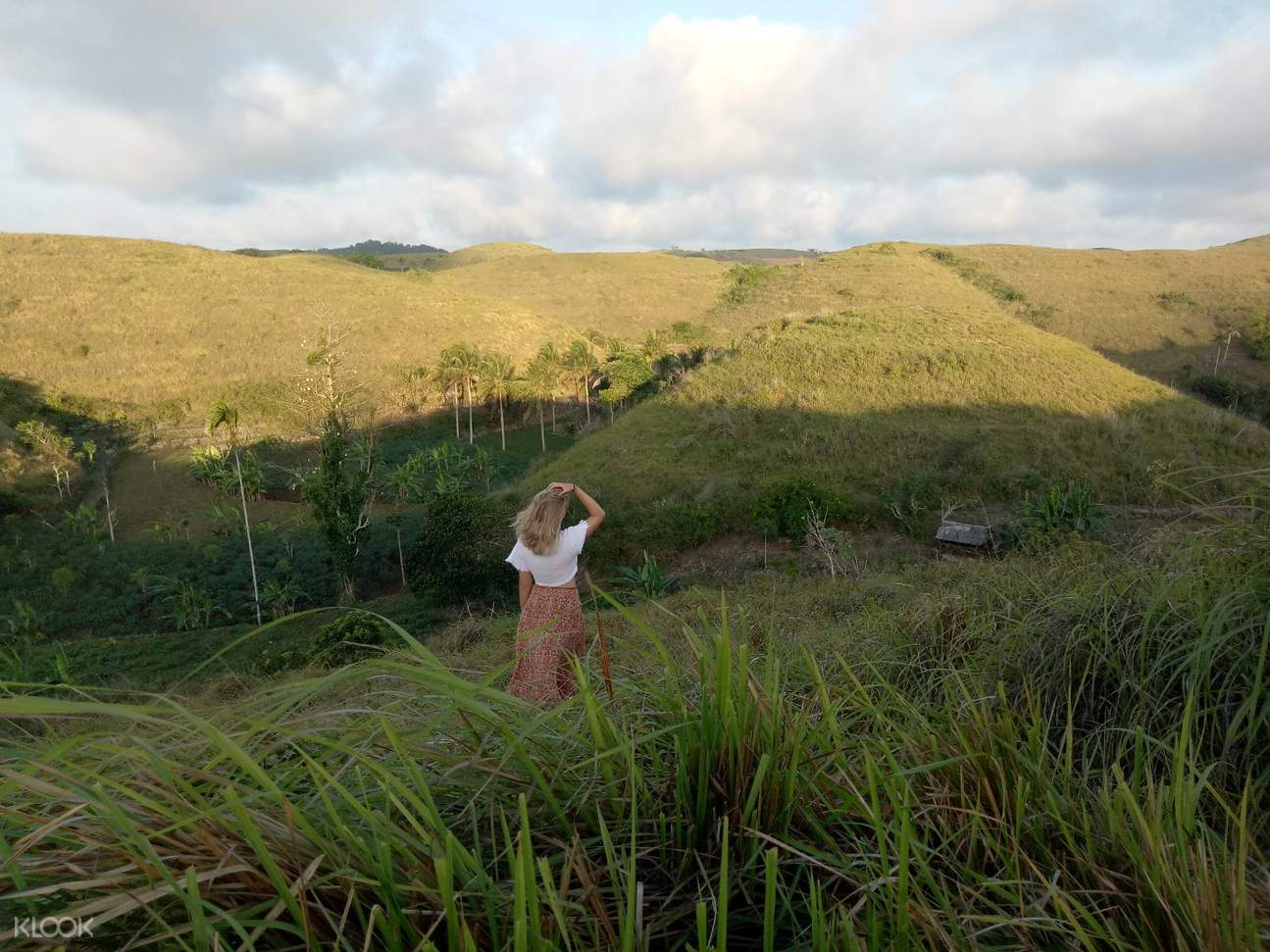 rolling hills in nusa penida