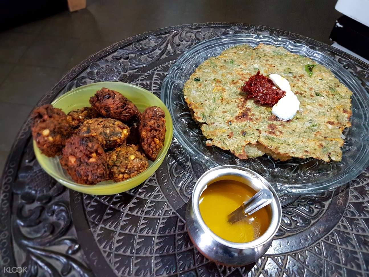 传统南印度家庭用餐体验