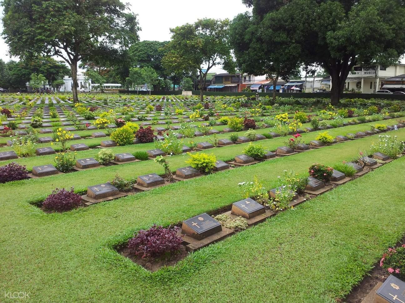 War Cemetery Day Tour Pribadi Kanchanaburi Highlights