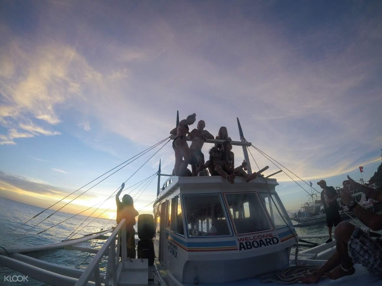 Boat tour boracay