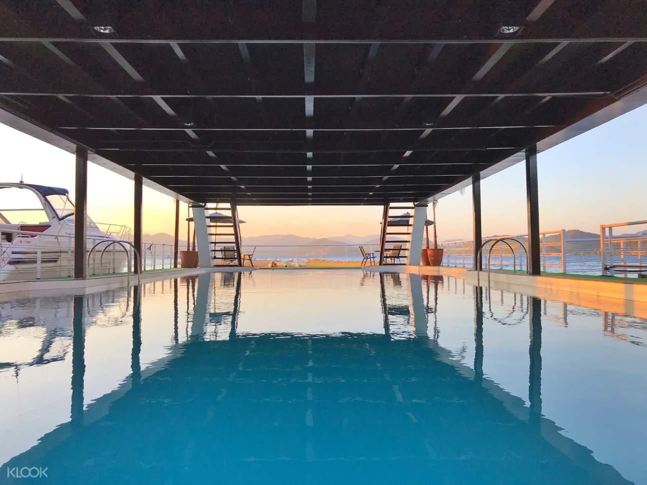 floating sea pool