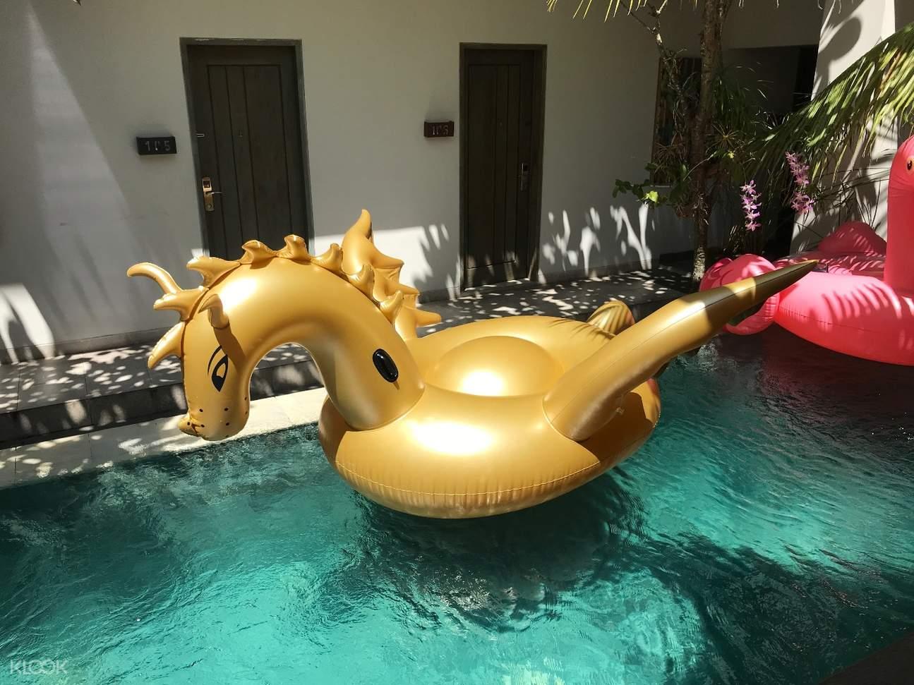 巴厘岛浮床租借服务