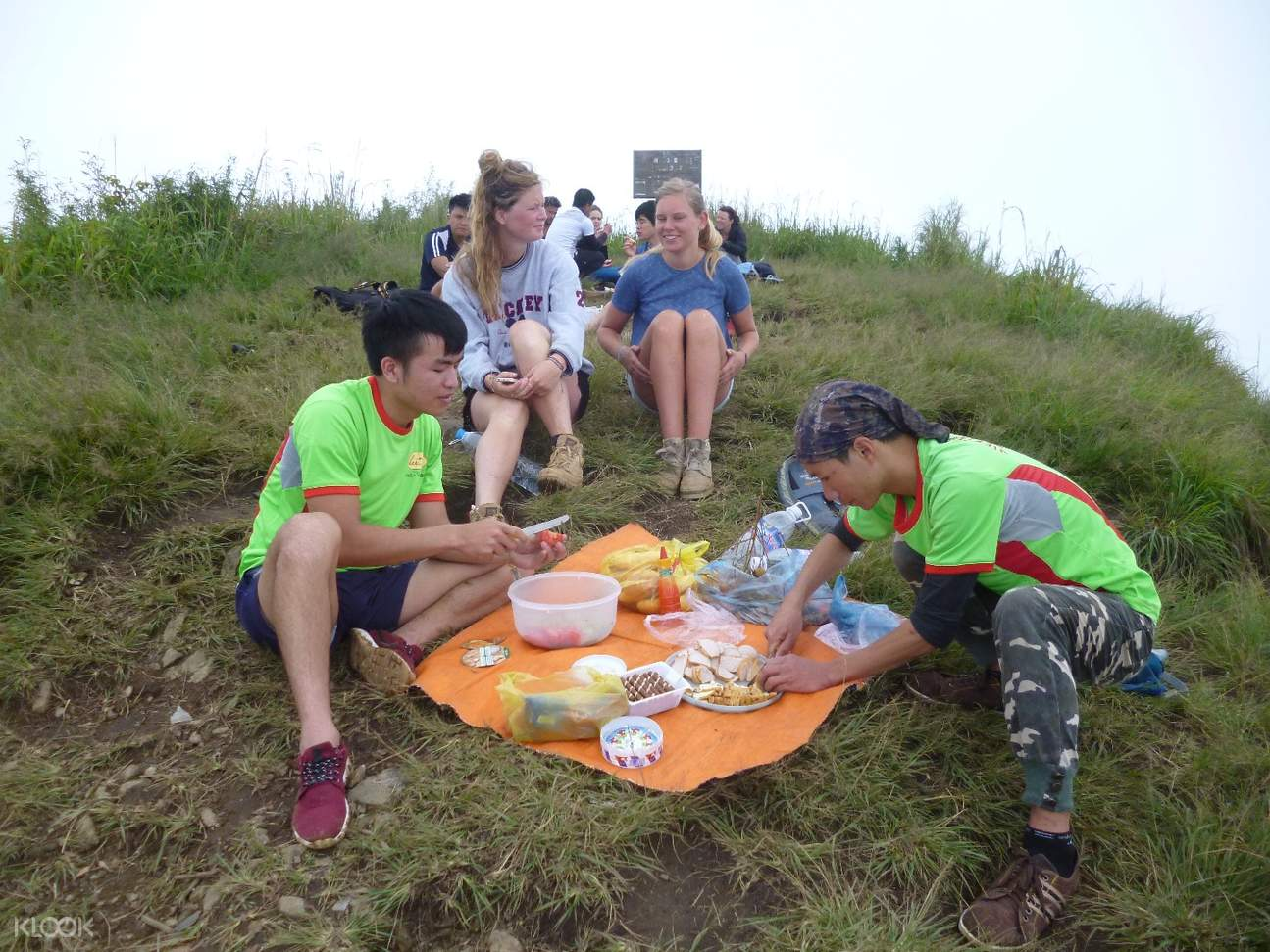 lang biang mountain picnic