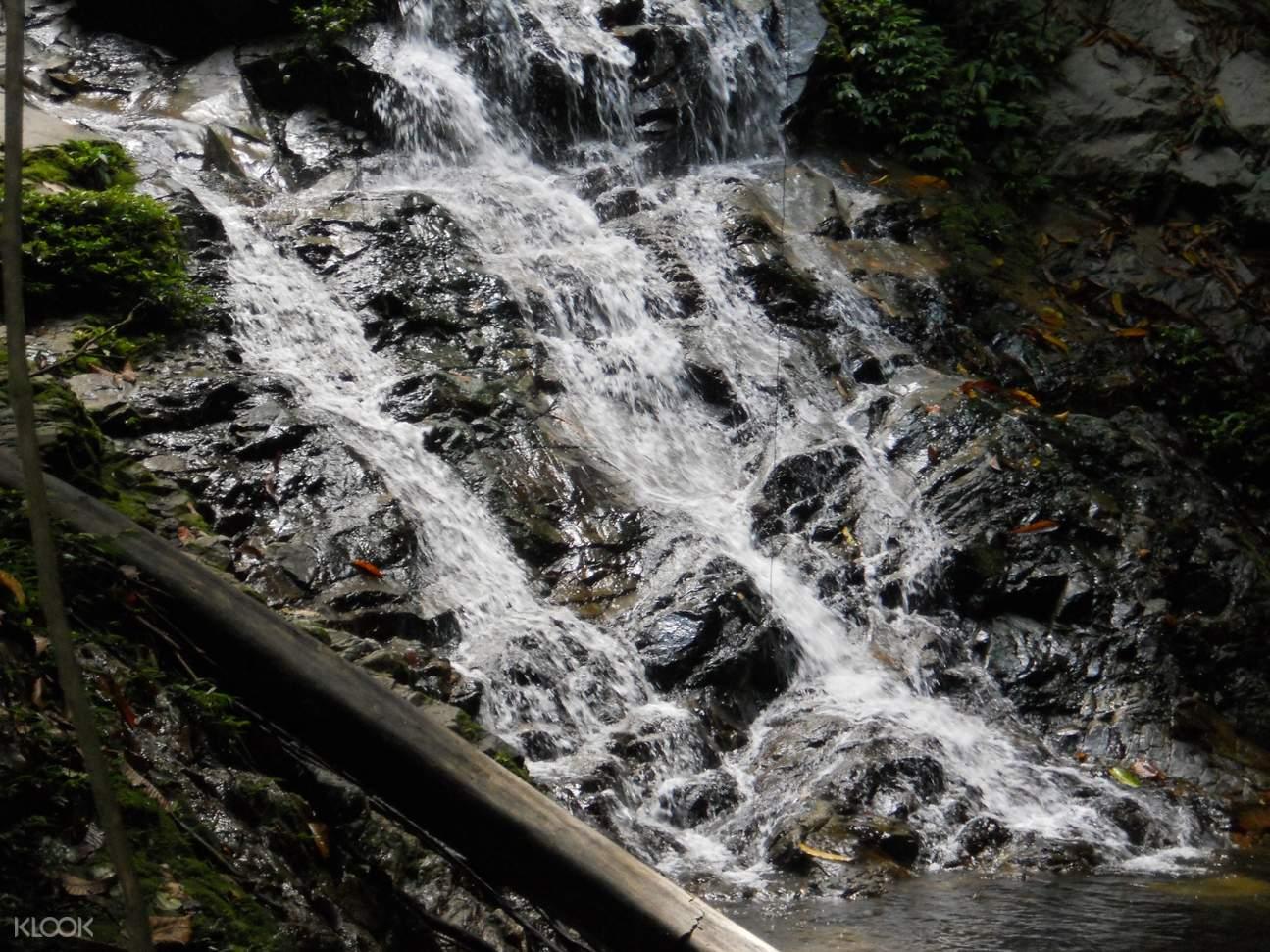 Belum Temenggor Nam Waterfall