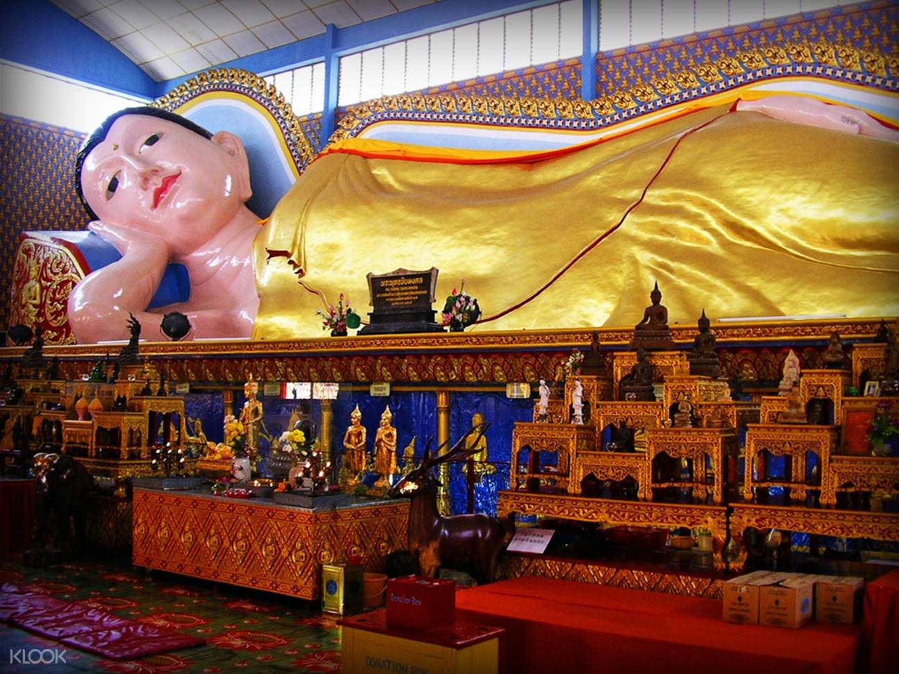 statue of buddha inside a temple
