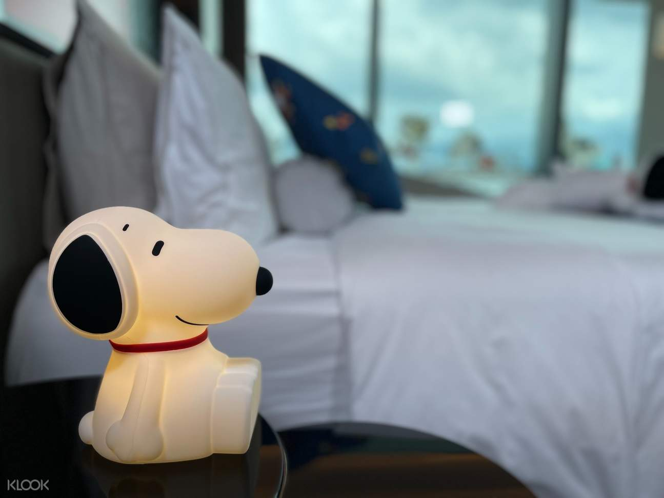 Snoopy Staycation Lamp