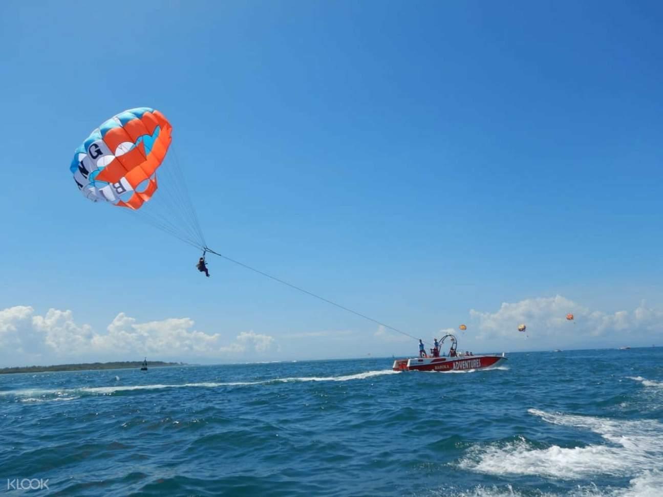 parasailing at tanjung benoa